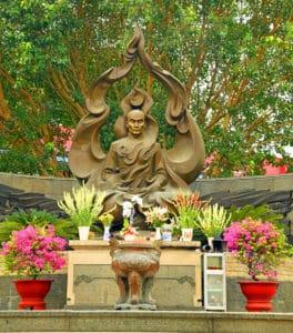 Vietnam tour Essential History Expeditons