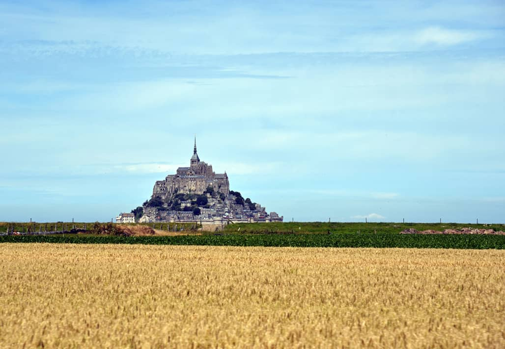 mont-saint-michel-distance-resized