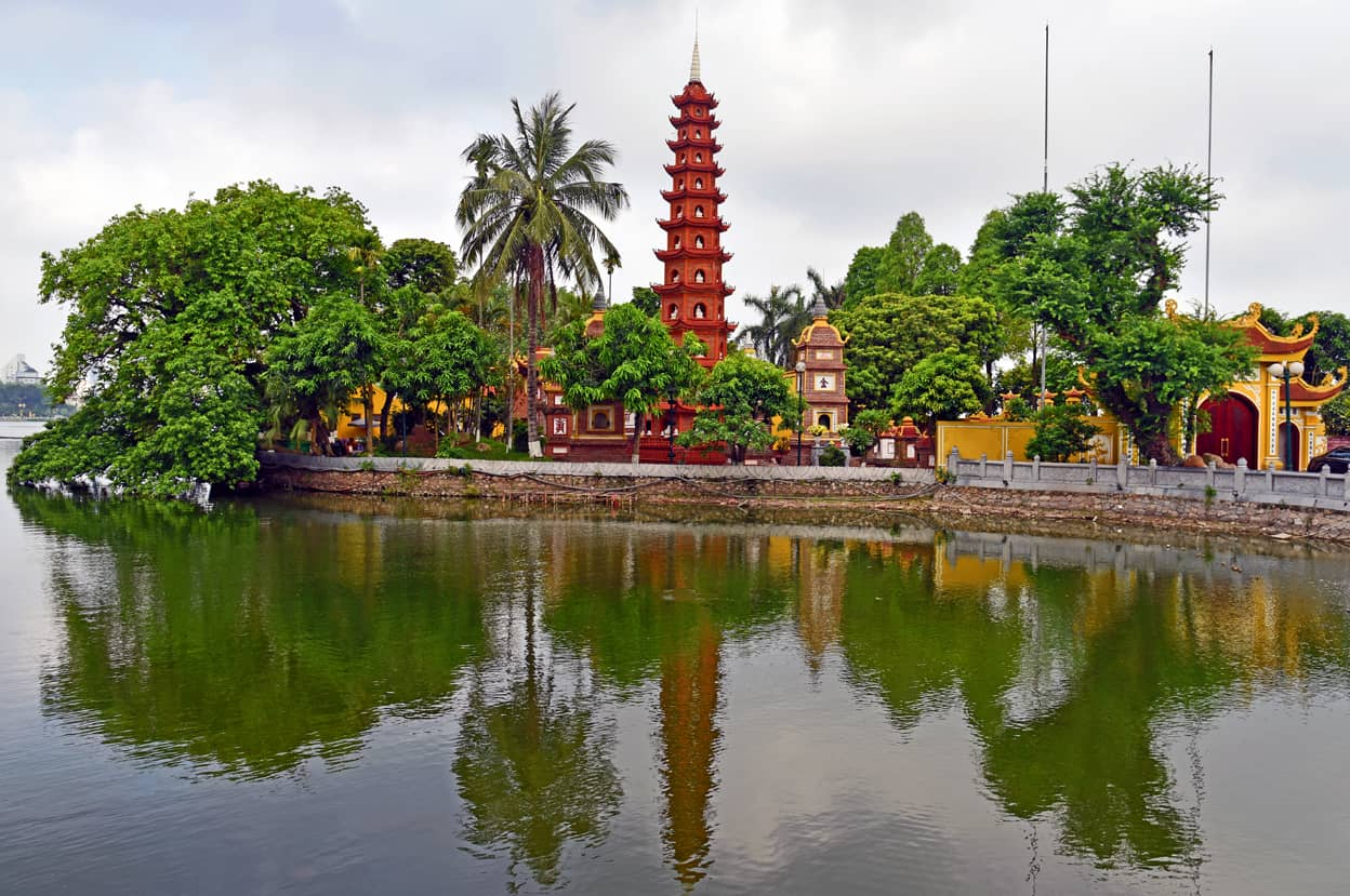 Hanoi Temple Vietnam Tour