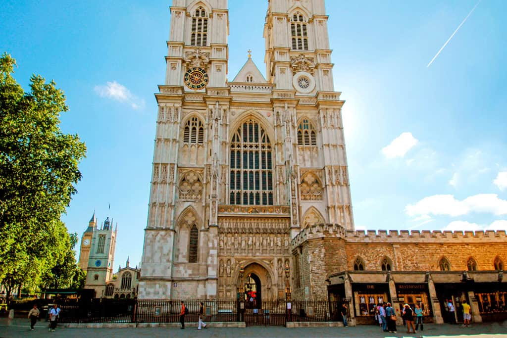 Essential History Expeditions London tours