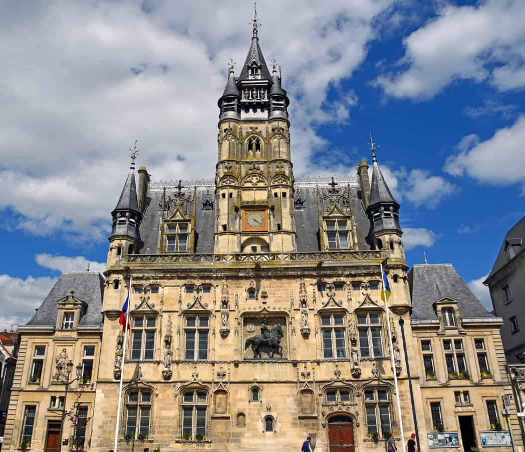 France history tour Essential History Expeditions